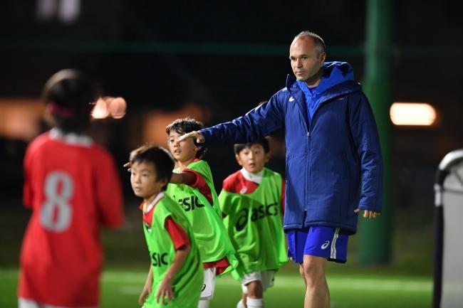 イニエスタのサッカーアカデミーが神戸ポートアイランドに開校