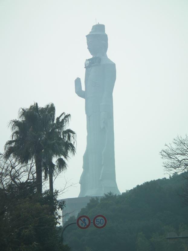 淡路島の巨大観音像