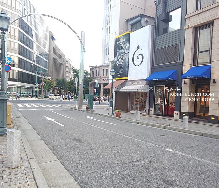 神戸大丸交差点前の道路標識ミス