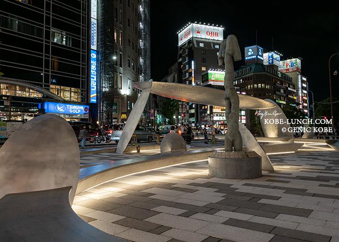 三宮のアモーレ広場